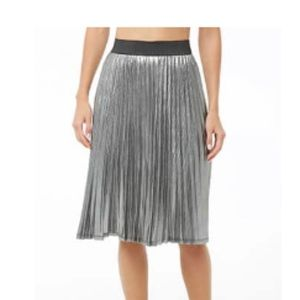 Forever21 metallic pleated midi skirt! New w tags!